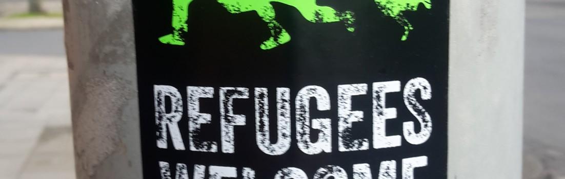Refugees welcome . Flüchtlinge Willkommen