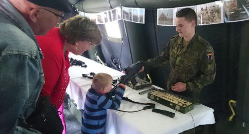 Kinder_Waffe_Bundeswehr
