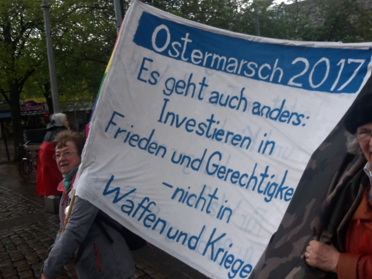 Ostermarsch in Hannover: Deutlich mehr Demonstrierende als in den Vorjahren