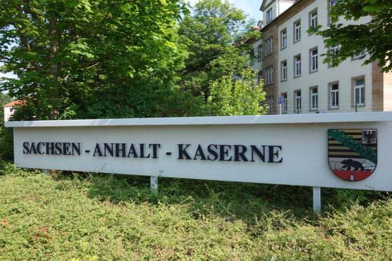 Protest zum Tag der Bundeswehr in Weissenfels