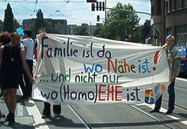 """""""Familie"""" emanzipieren – über die Folgen der """"Ehe für alle"""" für emanzipatives Weiterdenken"""