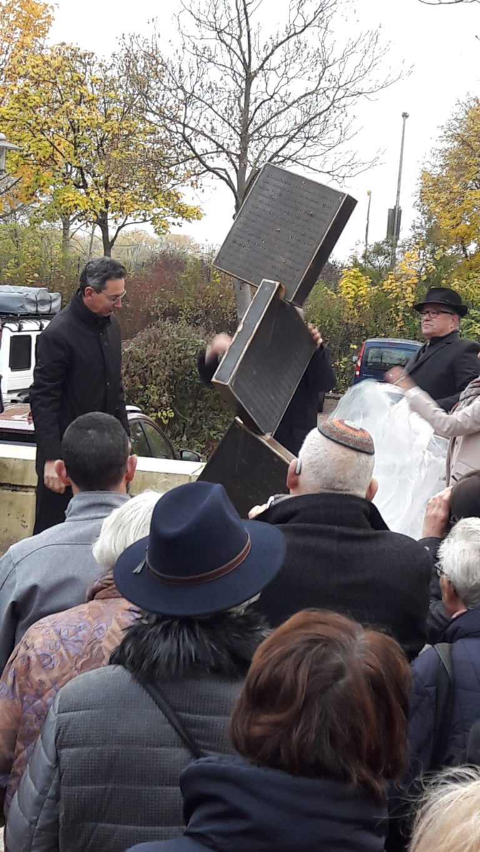 Einweihung des Mahnmals zur Erinnerung an die ermordeten und vertriebenen Jüdinnen und Juden in Neustadt am Rübenberge